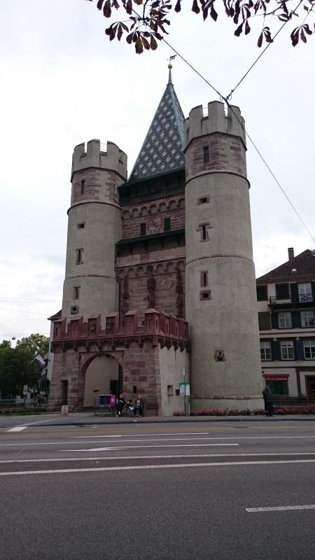 中世の城門